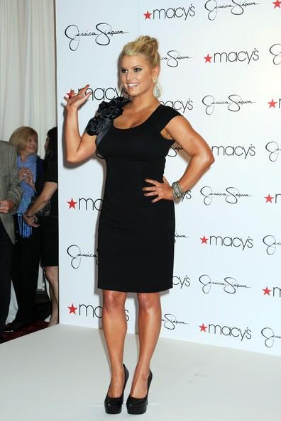 Jessica Simpson durante un'apparizione da Macy's a New York Herald Square