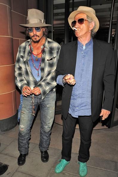 Johnny Depp e Keith Richards all'uscita del ristorante C London