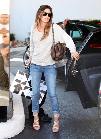 Rachel Bilson fa shopping presso Saks Fifth Avenue a Beverly Hills