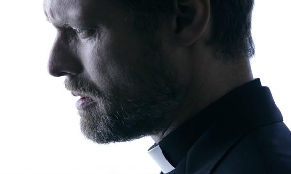 Stephen Billington nell'horror Exorcismus