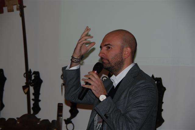 Giovedì Letterari, incontro con Donato Carrisi presentato da Amanda Colombo. Foto di Luigi Paganini.