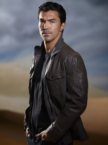 Ian Anthony Dale è Simon Lee nella nuova serie NBC The Event