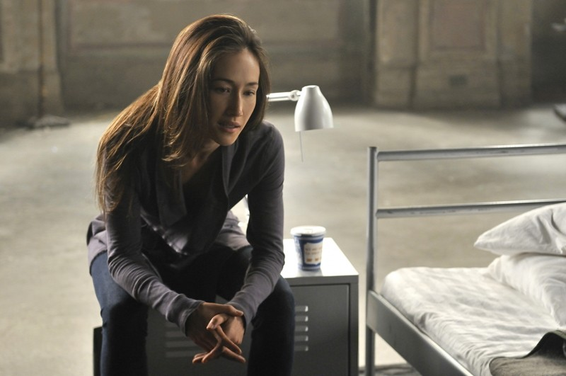 Maggie Q nel suo dormitorio nell'episodio Kill Jill di Nikita