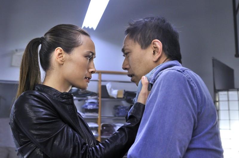 Nikita (Maggie Q) affronta un nemico nell'episodio Rough Trade