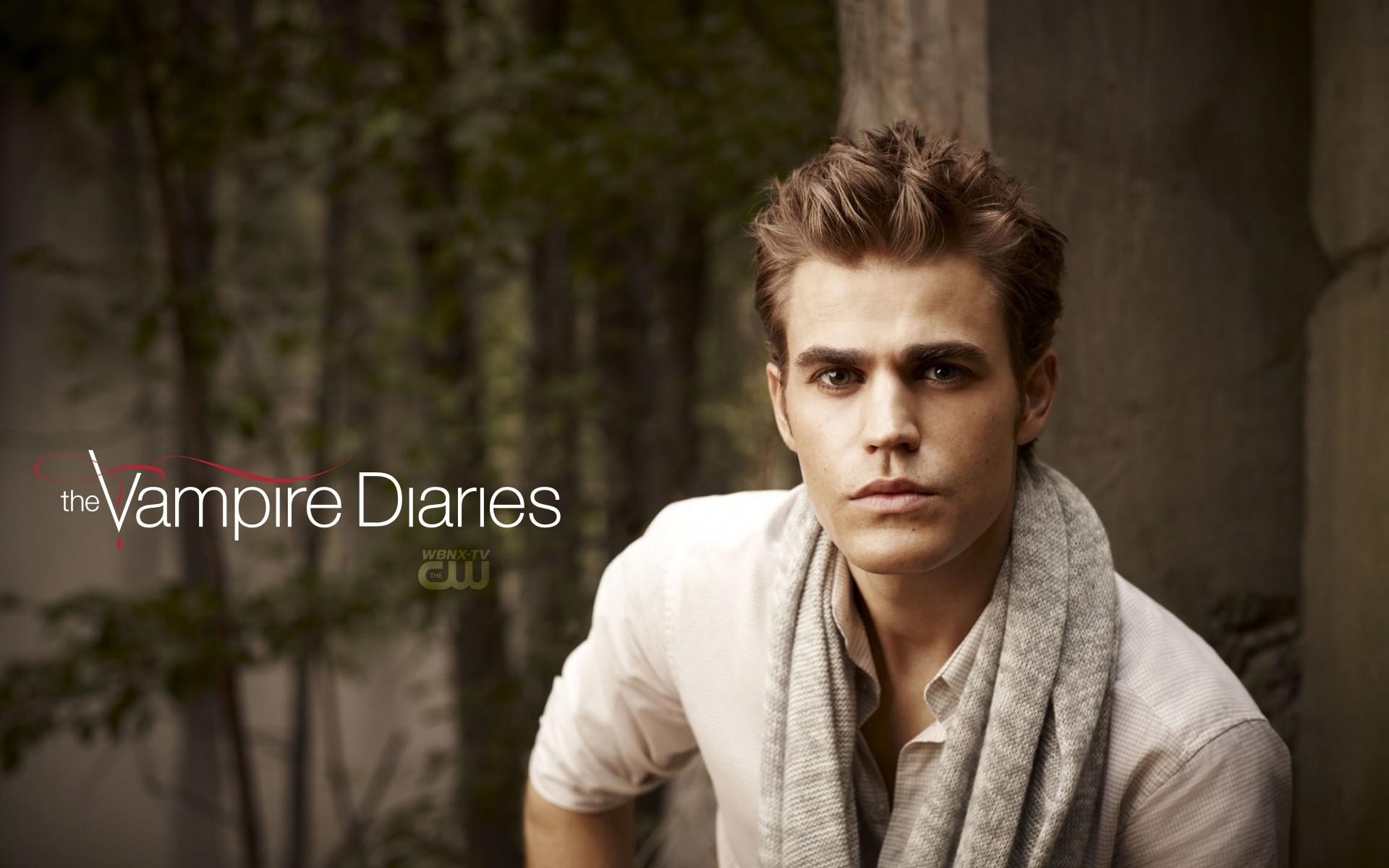 Un wallpaper di Paul Wesley per la 2 stagione di The Vampire Diaries
