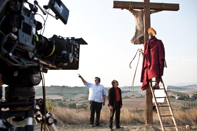 Il regista Carlo Mazzacurati con Silvio Orlando sul set del film La passione