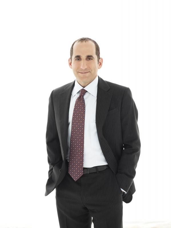Peter Jacobson nel ruolo del Dr. Chris Taub nella stagione 7 di Dr House