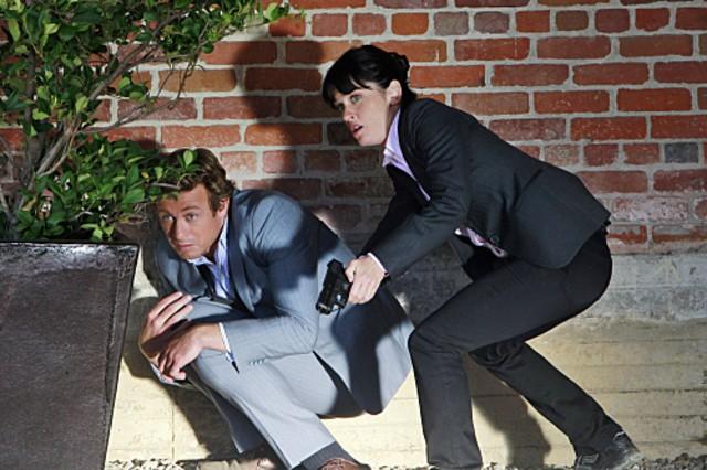 Simon Baker e Robin Tunney nell'episodio The Blood On His Hands di The Mentalist