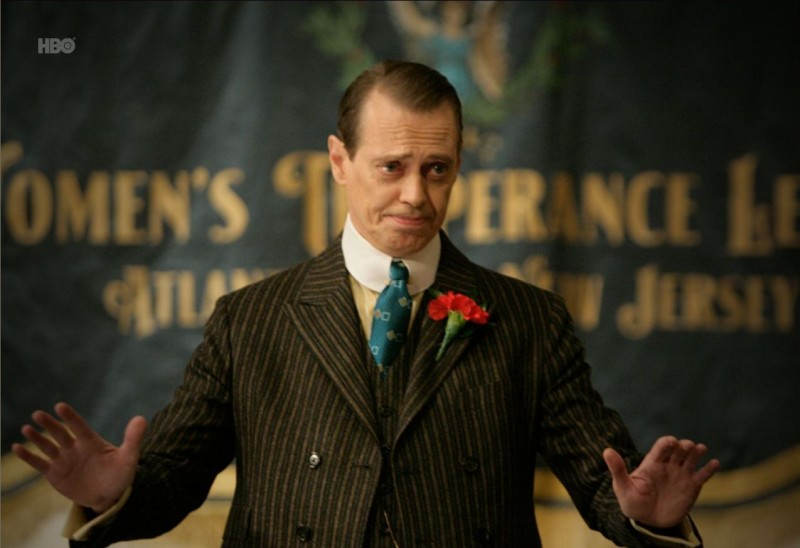 Boardwalk Empire: Steve Buscemi in una scena del pilot della serie HBO