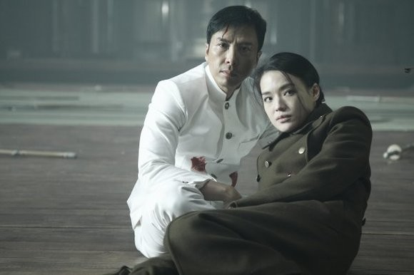 Donnie Yen e Shu Qi in una scena del film Legend of the Fist: The Return of Chen Zhen
