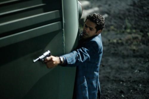 Jamel Debbouze in una sequenza del film Hors-la-loi