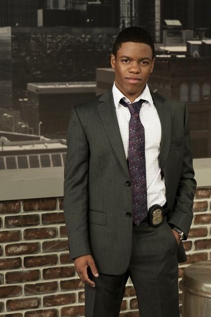 Jon Michael Hill è il Detective Damon Washington nella serie Detroit 1-8-7