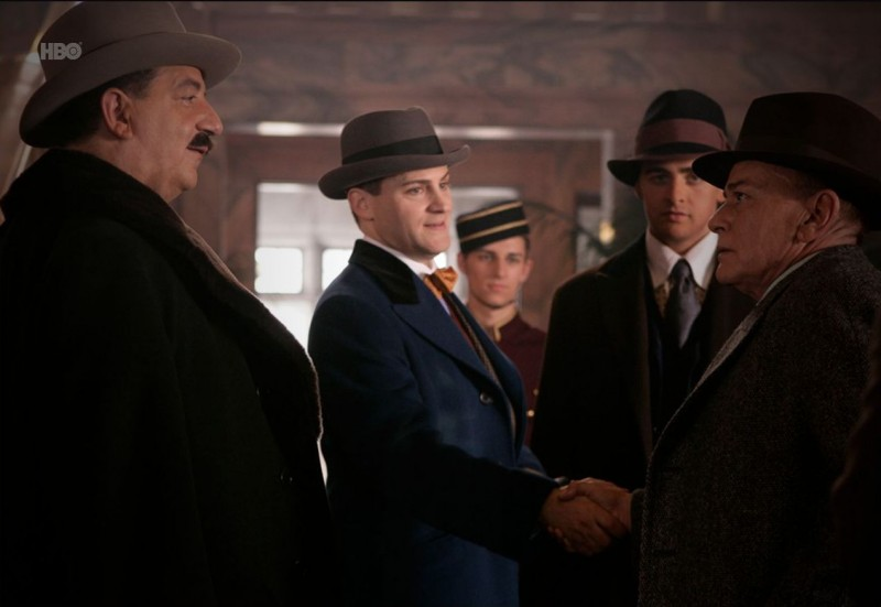 Michael Stuhlbarg, Vincent Piazza e Frank Crudele in una scena del pilot della serie HBO Boardwalk Empire
