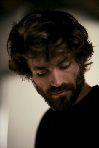Primo piano di Yannick Renier dal film Pauline et François