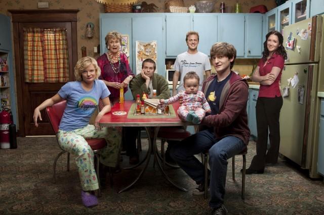 Raising Hope: Una immagine promozionale del cast della serie