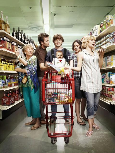 Una immagine promozionale del cast della nuova serie Raising Hope