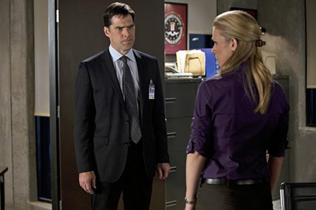 A.J. Cook e Thomas Gibson nell'episodio JJ di Criminal Minds