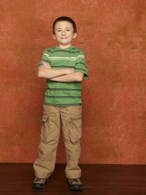 Atticus Shaffer nel ruolo di Brick nella stagione 2 della serie The Middle