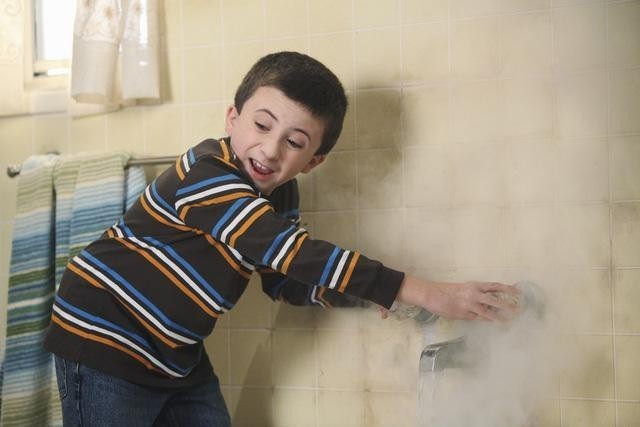 Atticus Shaffer nell'episodio The Diaper Incident di The Middle