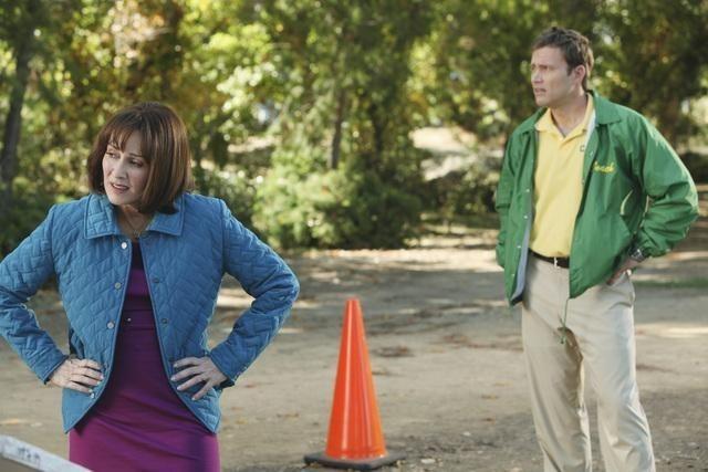 Greg Cromer e Patricia Heaton nell'episodio Homecoming di The Middle