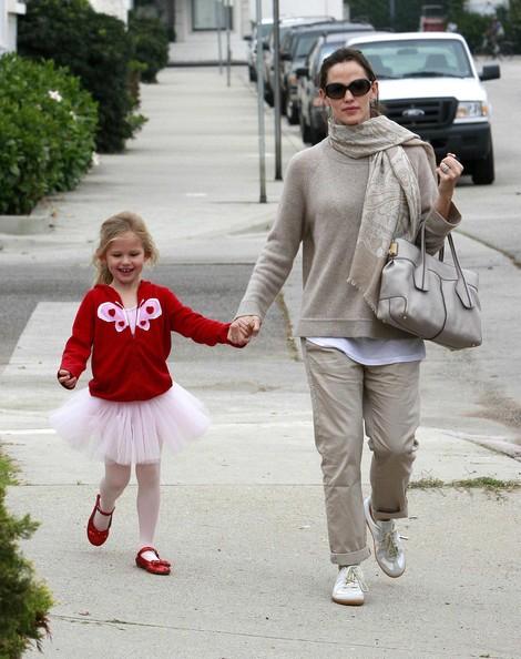 Jennifer Garner è andata a prendere la figlia Violet a lezione di danza a Los Angeles
