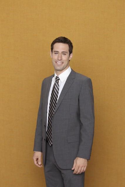 Josh Cooke è Ben nella serie Better with You