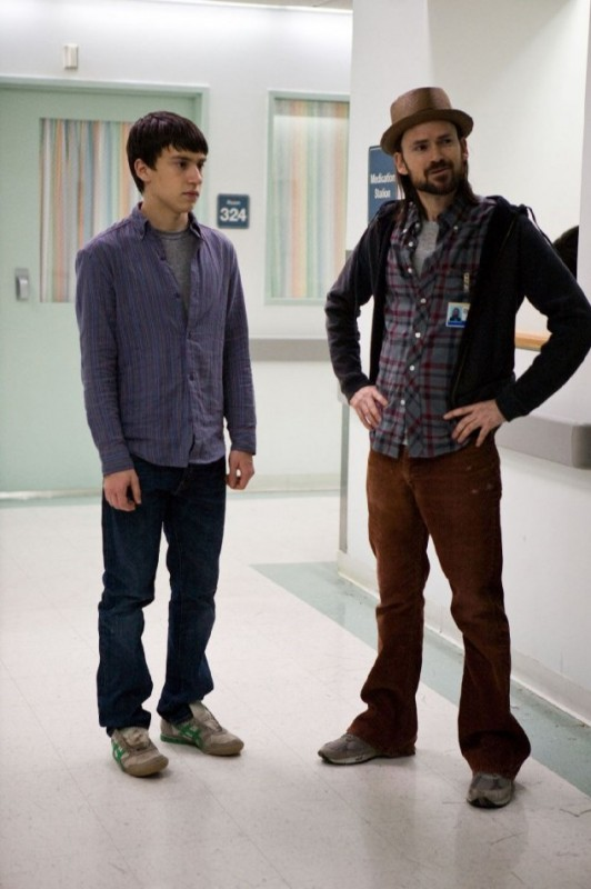 Keir Gilchrist e Jeremy Davies in It's Kind of a Funny Story