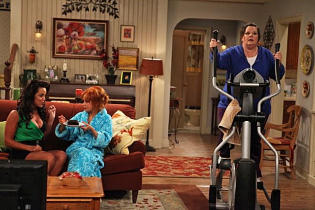 Melissa McCarthy, Swoosie Kurtz e Katy Mixon nel pilot di Mike and Molly