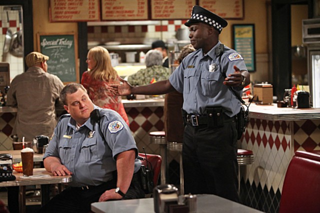 Reno Wilson e Billy Gardell nel pilot di Mike and Molly