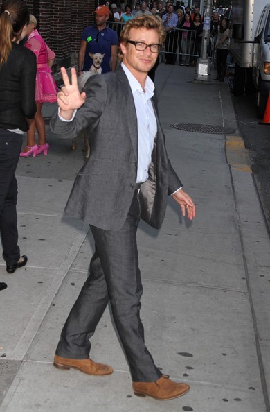 Simon Baker si dirige al 'Late Show with David Letterman' a New York