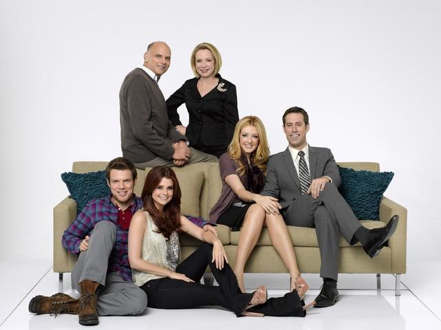 Una foto promozionale del cast della serie Better with You