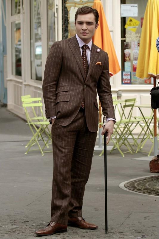 Chuck (Ed Westwick) in una scena dell'episodio Double Identity di Gossip Girl