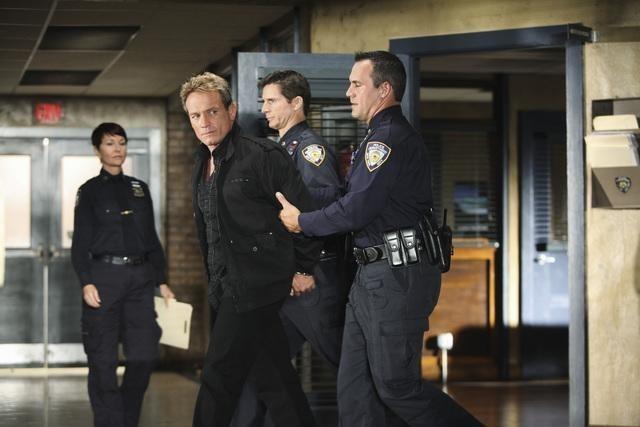 Rick Ravanello in una scena dell'episodio He's Dead, She's Dead di Castle