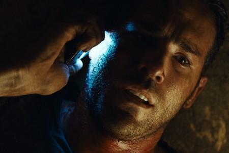Ryan Reynolds in una scena del thriller Buried