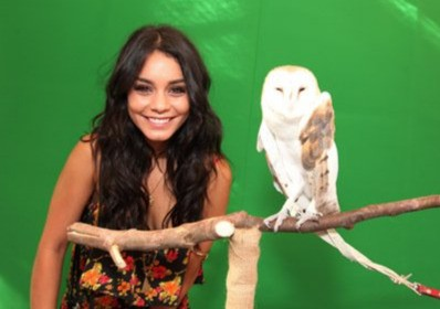 Vanessa Hudgens sul set del fantasy Legend of the Guardians - The Warrior