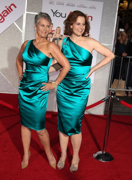 Due affascinanti sirene sul red carpet della commedia You Again: Sigourney Weaver e Jamie Lee Curtis