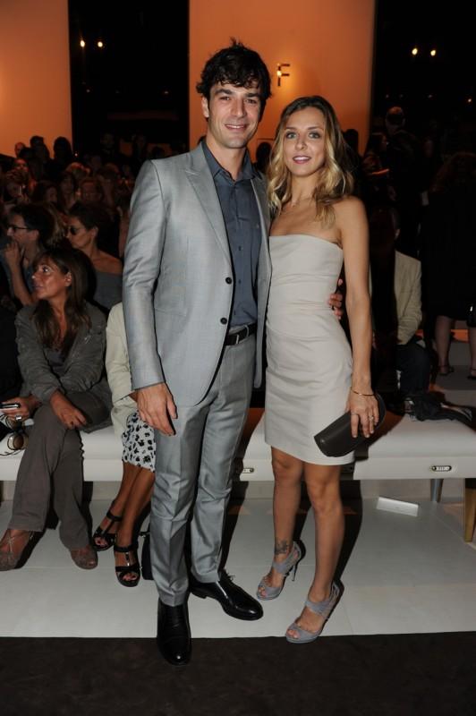 Luca Argentero e Myriam Catania alla Sfilata Donna Primavera-Estate 2011 di Gucci