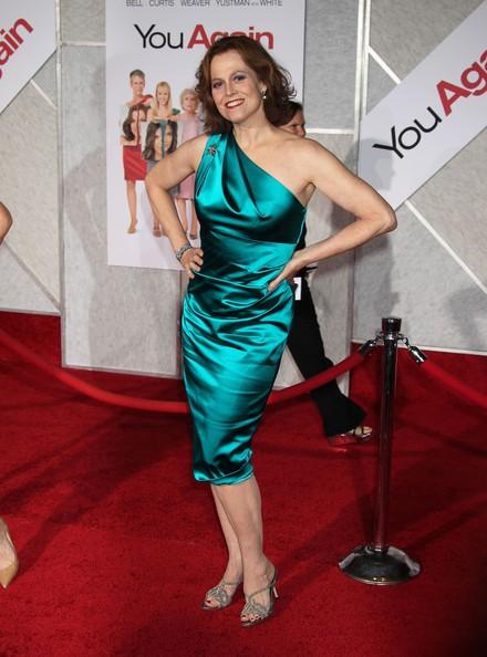 Un'affascinante sirena sul red carpet della commedia You Again: Sigourney Weaver