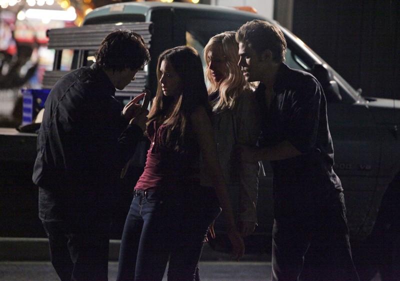 Nina Dobrev difende Candice Accola nell'episodio Brave New World di Vampire Diaries