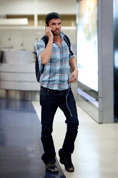 Cam Gigandet arriva al Los Angeles International Airport