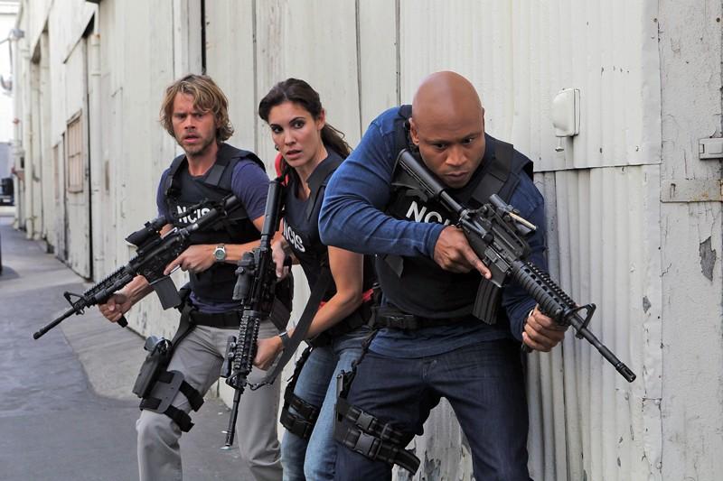 Eric Christian Olsen, Daniela Ruah e LL Cool J in missione nell'episodio Black Widow di NCIS: Los Angeles