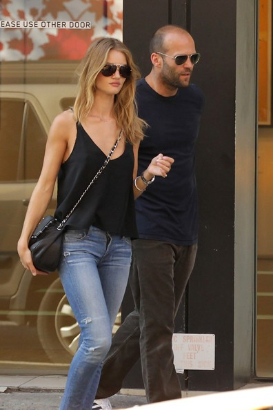 Jason Statham e la modella di intimo Rosie Huntington-Whiteley a New York