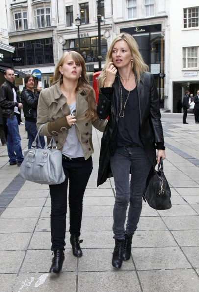 Kate Moss e la figlia Lila Grace fanno shopping insieme