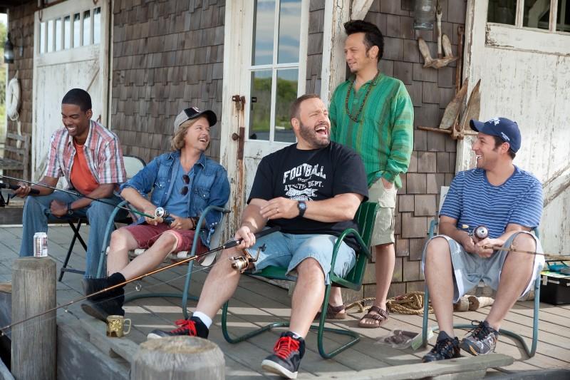 Adam Sandler, Rob Schneider, Kevin James, Chris Rock e David Spade, protagonisti della commedia Un weekend da bamboccioni