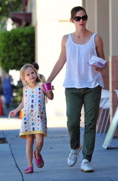 Jennifer Garner e la figlia passeggiano per Santa Monica