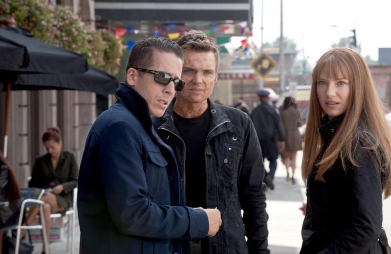 Kirk Acevedo, Seth Gabel ed Anna Torv nell'episodio The Plateau di Fringe