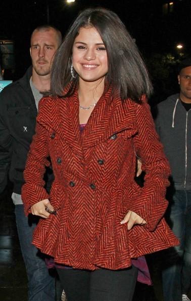 Selena Gomez in giro per le strade di Londra