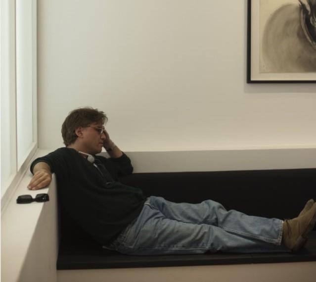 Aaron Sorkin in un'immagine di The Social Network