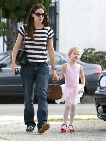 Jennifer Garner e la figlia Violet verso la classe di ballo in Los Angeles