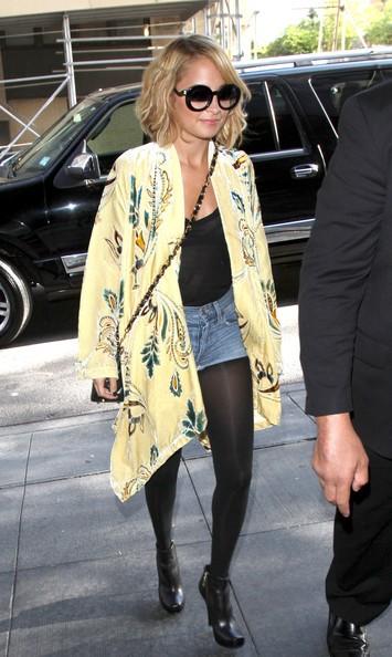 Nicole Richie di buon ora a New York per fare la sua apparizione su 'Good Morning America'